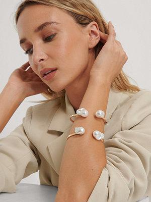 NA-KD Accessories smycke Cuffarmband Med Stor Pärla guld