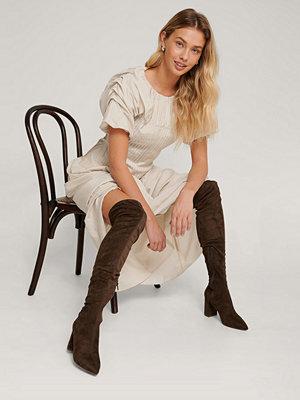 Boots & kängor - NA-KD Shoes Overknee-Stövlar I Mockaimitation brun
