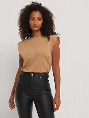 Trendyol Bas-T-Shirt brun