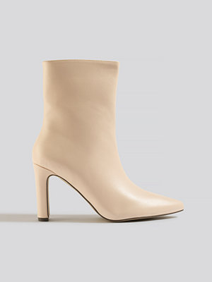 NA-KD Shoes Pointy Flat Heel Boots beige