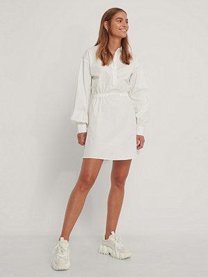 Gine Margrethe X NA-KD Skjortklänning offvit