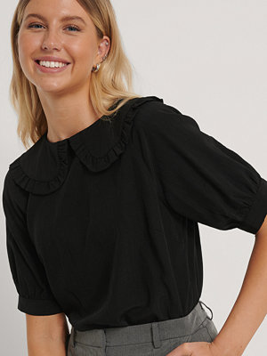NA-KD Boho Big Collar Blouse svart