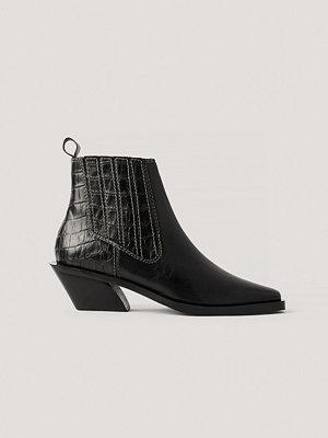 NA-KD Shoes Läderboots Med Kontrastsöm svart