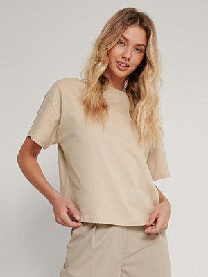 NA-KD Reborn Ekologisk Oversize T-shirt Med 3/4-ärm beige