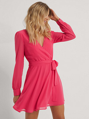NA-KD Omlottklänning I Chiffong rosa