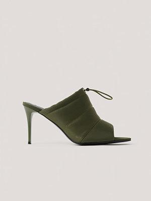 Pumps & klackskor - NA-KD Shoes Spetsiga Högklackade Skor Med Öppen Tå Och Dragsko grön