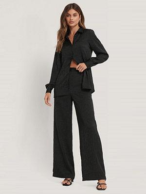 Basma & Merna x NA-KD Kostymbyxor svart svarta