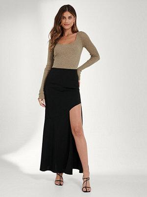 Kjolar - Mathilde Gøhler x NA-KD Asymmetrisk Kjol svart