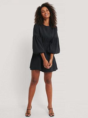 NA-KD Trend Miniklänning I Ballongmodell svart