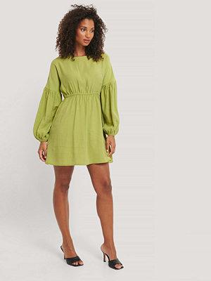 NA-KD Trend Miniklänning I Ballongmodell grön