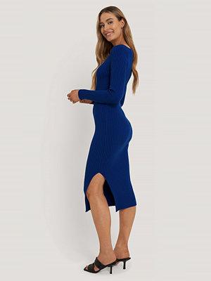 NA-KD Trend Ribbad Midiklänning blå