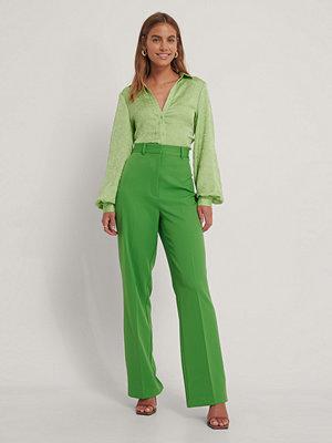 Gine Margrethe X NA-KD Kostymbyxor Med Hög Midja grön omönstrade