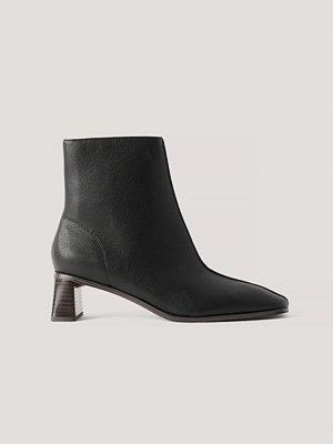 NA-KD Shoes Boots Med Cylinderklack Och Fyrkantig Tå svart