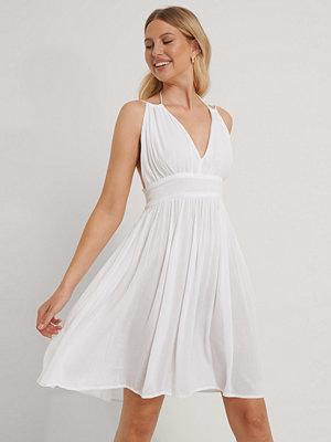 Vita klänningar Fina klänningar online Modegallerian