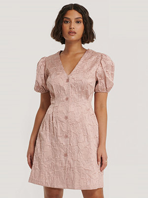 NA-KD Trend Miniklänning Med Puffärmar rosa