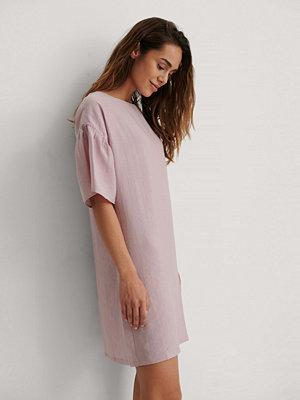 NA-KD Reborn Kortärmad Miniklänning Med Krås rosa