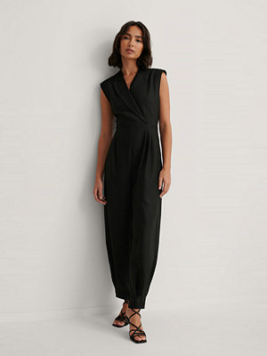 Jumpsuits & playsuits - Dressing Up At Home x NA-KD Jumpsuit Med Markerad Axel svart