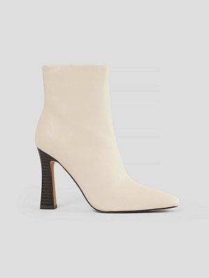 NA-KD Shoes Högklackade Skor beige