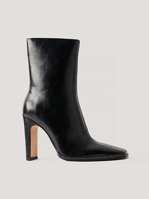 NA-KD Shoes Högklackade Stövlar Med Strassdetalj svart