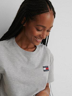 T-shirts - Tommy Jeans Tommy Badge T-Shirt grå