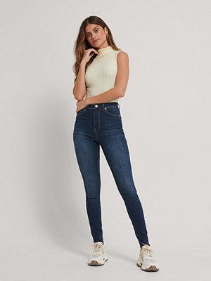 Jeans - NA-KD Reborn Ekologiska Skinny Långa Jeans Med Hög Midja Och Rå Fåll blå