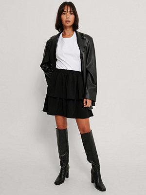 NA-KD Party Minikjol Med Volang svart