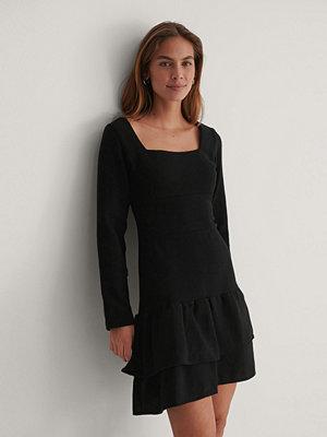 Trendyol Miniklänning Med Fyrkantig Halsringning svart