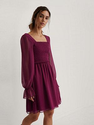 Trendyol Meshklänning Med Smockdetalj lila