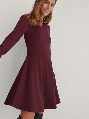NA-KD Långärmad Miniklänning burgundy