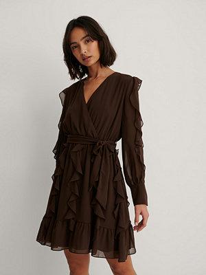 Trendyol Miniklänning Med Volangdetalj brun