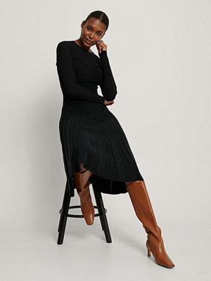 NA-KD Trend Stickad Klänning Med Struktur svart
