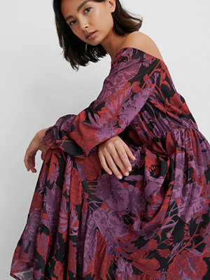 NA-KD Party Off Shoulder-Klänning multicolor