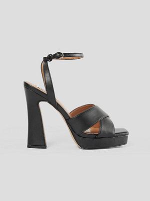 NA-KD Shoes Högklackade Med Plattform svart