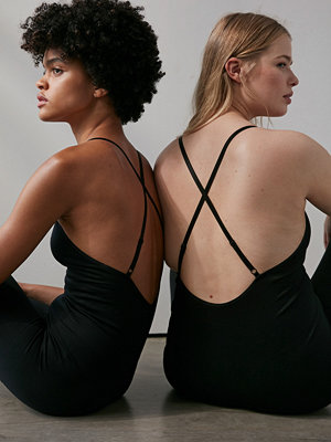 Jumpsuits & playsuits - NA-KD Flow Bodysuit svart