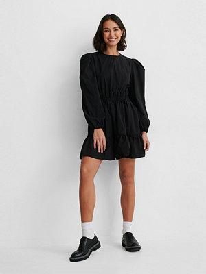 NA-KD Boho Långärmad Skjortklänning Med Elastisk Midja svart