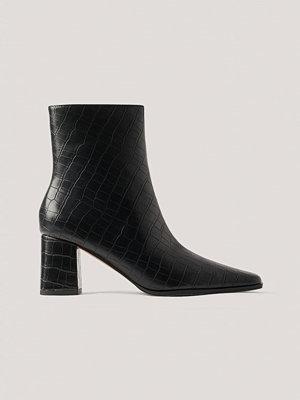 NA-KD Shoes Krokodilskinnsmönstrade Boots Med Smal, Spetsig Tå svart