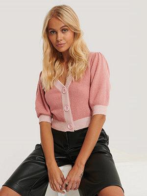 Cardigans - NA-KD Trend Croppad Kofta Med Knappar rosa