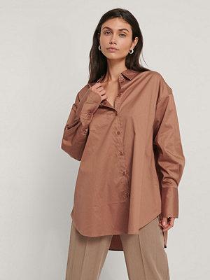 NA-KD Reborn Recycled Oversize Skjorta Med Ficka brun