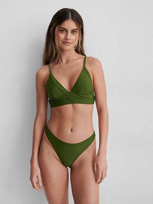 NA-KD Swimwear Högt Skuren Bikinitrosa grön