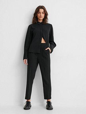 NA-KD Classic Croppade Kostymbyxor svart svarta