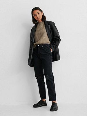 NA-KD Reborn Ekologiska Mom Jeans Med Slitningar svart