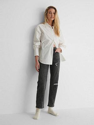 NA-KD Reborn Ekologiska Slitna Jeans Med Hög Midja grå
