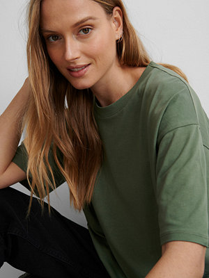 NA-KD Basic Ekologisk Oversize T-shirt grön