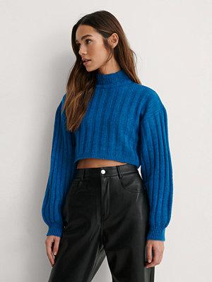 Toppar - Lizzy x NA-KD Stickad Tröja blå
