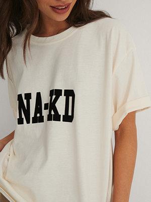 NA-KD Reborn Ekologisk T-shirt Med Logga beige