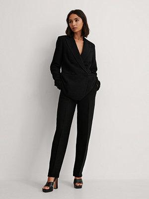 NA-KD Classic Kostymbyxor Med Struktur svart svarta