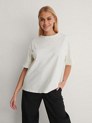 NA-KD Ekologisk T-shirt Med Tryck offvit