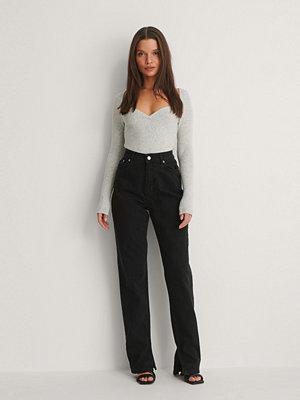 NA-KD Trend Ekologiska Jeans Med Slits I Sidan svart