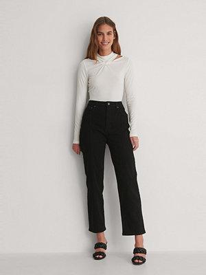 NA-KD Trend Ekologiska Stentvättade Jeans Med Raka Ben svart