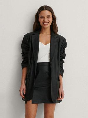 Matiamu By Sofia x NA-KD Recycled PU-kjol svart